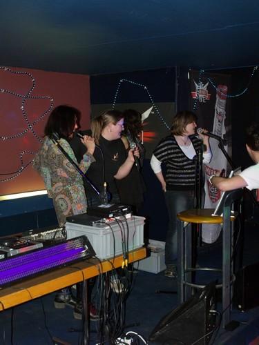 Le 13.03.2010 Soirée KARAOKE et Dj Musique 80
