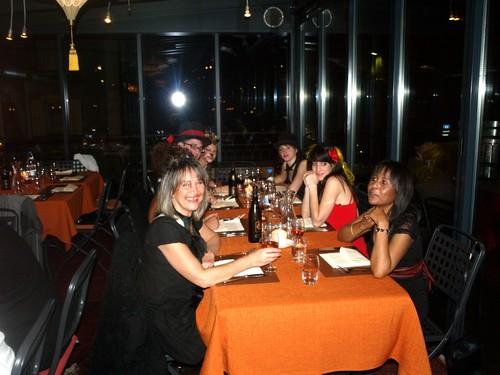 Samedi 14 novembre soirée all styles pour Manor La Chaux-de-Fonds soirée du personelle  Dj Atomick night et Dj Mike.